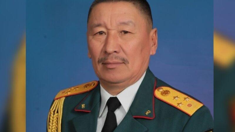 Бактыбек Бекболотов Кыргыз Республикасынын коргоо министри болуп дайындалды