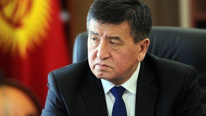 Экс-президент Сооронбай Жээнбеков УКМКнын сурагынан чыкты
