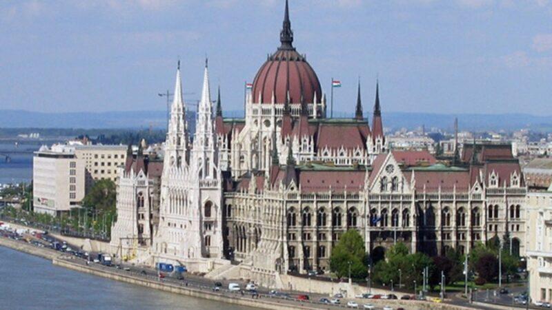 Венгрияда Кыргыз Республикасынын элчилиги негизделди. Ким жооптуу?