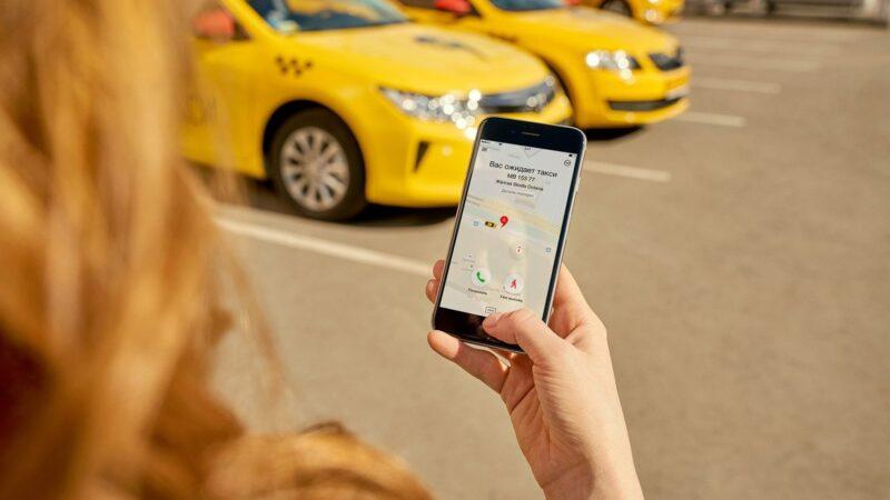 Эми «Яндекс» таксинин айдоочулары электрондук патент менен иштейт