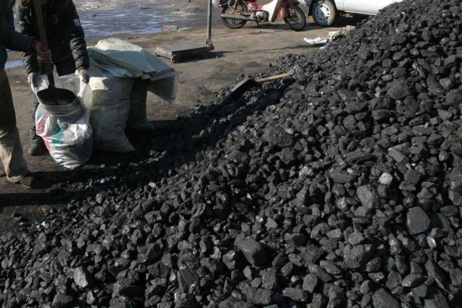 «Көмүрдү кайдан сатып алам?» Бишкектеги көмүр базаларынын дареги (ТИЗМЕ)