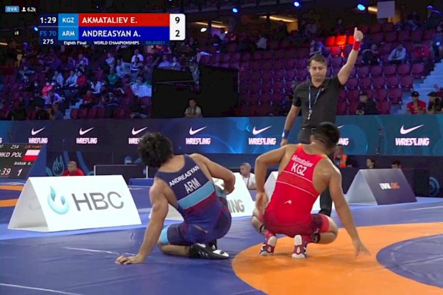 Эрназар Акматалиев эркин күрөш боюнча Дүйнө чемпионатынын чейрек финалына чыкты