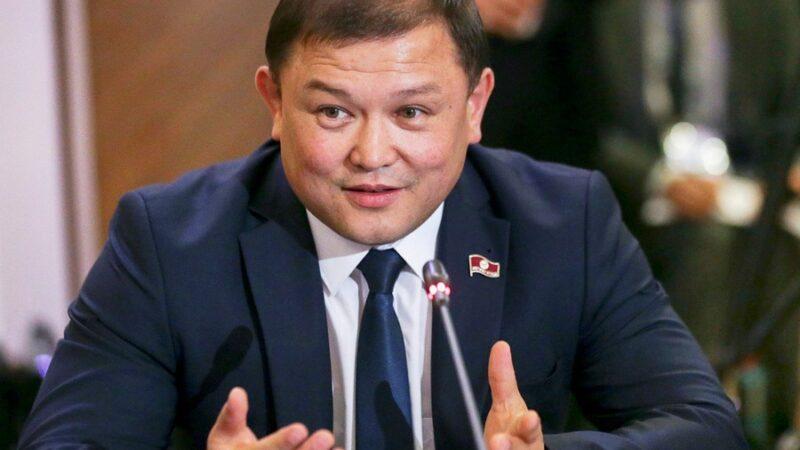 Мурунку спикер Дастан Жумабеков бир мандаттуу округдан шайлоого катышат