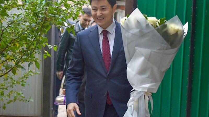 Марипов: «Мугалимдерди экинчи ата-эне катары урматташыбыз керек»